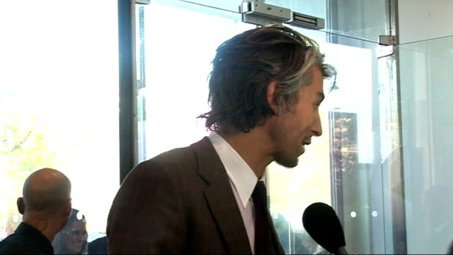 party to launch new samsung mobile phone george lamb interview sot talks of people stopping him in the street and gauging his career by people's... - ソープオペラ点の映像素材/bロール
