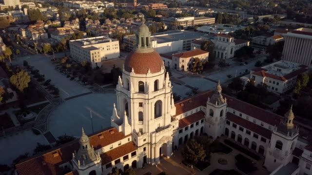 pasadena city hall- over the top circular drone shot - pasadena california stock videos & royalty-free footage