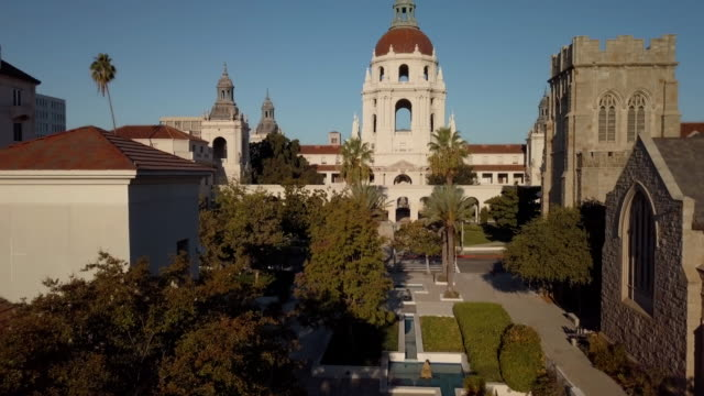 pasadena city hall- rising drone shot - courtyard stock videos & royalty-free footage