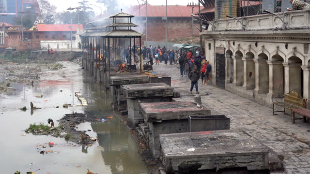 stockvideo's en b-roll-footage met pashupatinath-tempel in kathmandu, nepal - ceremonie