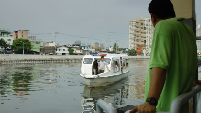 passenger craft approaching mooring in manila - passenger craft stock videos & royalty-free footage