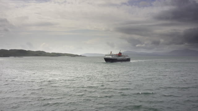 a passenger ship heading towards oban, scotland - pilgrimage stock videos & royalty-free footage
