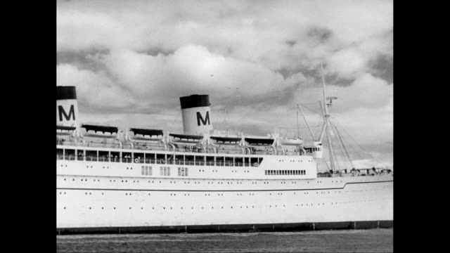 ws pan passenger ship moving on sea / united states - passenger craft stock videos & royalty-free footage