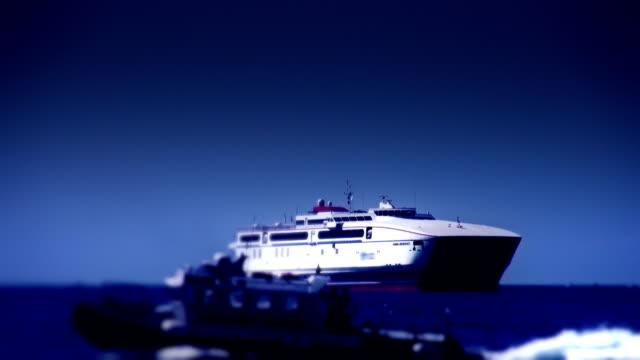 passagierschiff - retter rettungsaktion stock-videos und b-roll-filmmaterial