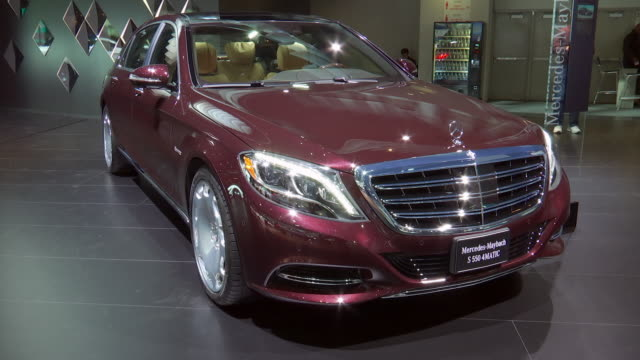 zo ws passenger side profile / ws front quarter passenger side view / cu maybach logo on wall zo ws front quarter passenger side view / ws rear... - sedan stock videos & royalty-free footage