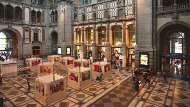HA T/L Passenger Traffic in Antwerp Central Station