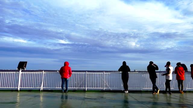 Passagiers op het schip dek