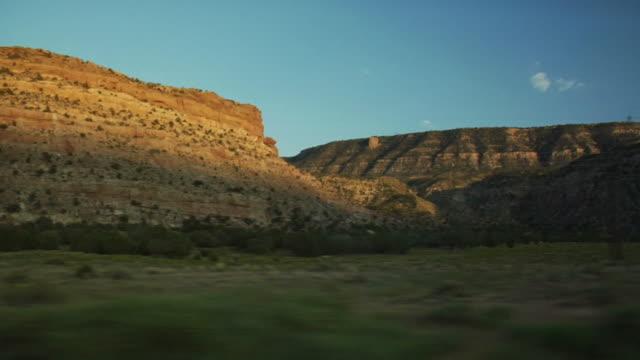 vidéos et rushes de passant paysage de - monument valley tribal park