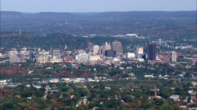 ニューヘブンと港の空中写真 - コネチカット, ニューヘブン郡, 米国を渡す - ニューヘイブン点の映像素材/bロール