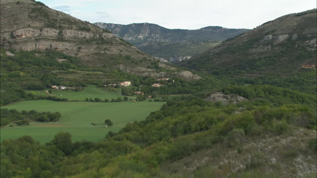 passing over canaux - provence alpes cote d'azur stock videos & royalty-free footage