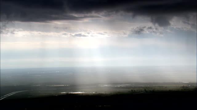 stockvideo's en b-roll-footage met passeren van de storm over lake ontario - luchtfoto - new york, jefferson county, verenigde staten - ontariomeer