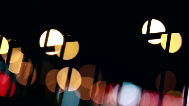 vidéos et rushes de en passant les tramways, clôture, nuit, lumières, vie urbaine - ligne de tramway