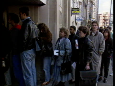 londonpetty france passport office av name sign on wall pull out queues outside building av 'closed' notice cms senior member of staff crossing... - streikposten stock-videos und b-roll-filmmaterial