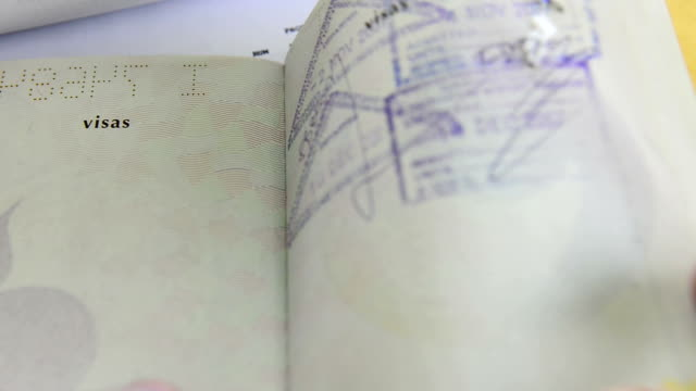 stockvideo's en b-roll-footage met passport - identiteit