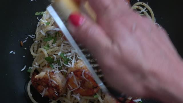 Pasta with Sauteed Garlic Prawns