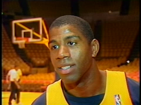stockvideo's en b-roll-footage met pat riley and magic johnson comment on kareem abdul jabbar's retirement. - sport