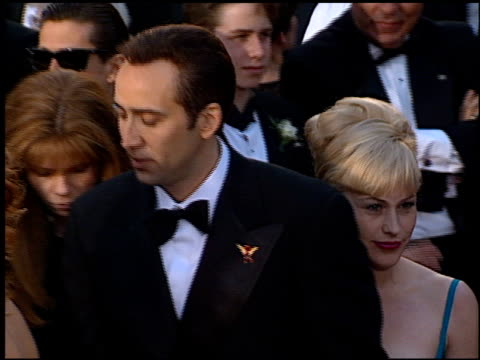 vídeos de stock e filmes b-roll de patricia arquette at the 1996 academy awards arrivals at the shrine auditorium in los angeles california on march 25 1996 - 68.ª edição da cerimónia dos óscares