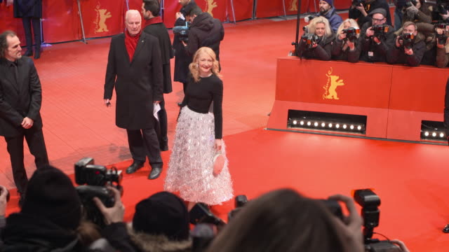 stockvideo's en b-roll-footage met patricia clarkson at 68th berlin film festival isle of dogs opening red carpet at berlinale palast on february 15 2018 in berlin germany - internationaal filmfestival van berlijn