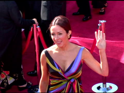 vídeos y material grabado en eventos de stock de patricia heaton at the 2006 primetime emmy awards arrivals at the shrine auditorium in los angeles, california on september 19, 2004. - premio emmy anual primetime