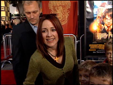 vidéos et rushes de patricia heaton at the 'harry potter' premiere on november 14, 2001. - harry potter titre d'œuvre