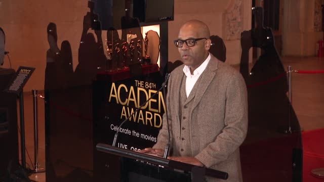 patrick harrison eastcoast program director at academy of motion picture arts and sciences introduces melissa leo at 84th annual academy awards 'meet... - 映画芸術科学協会点の映像素材/bロール