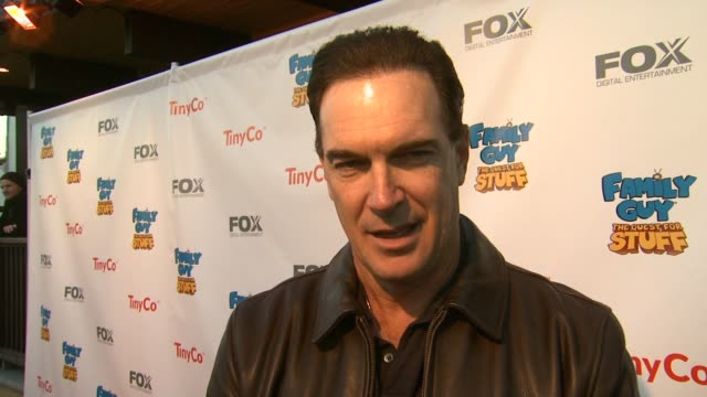 vidéos et rushes de patrick warburton on the best part of voicing joe swanson, why this show resonates with fans, working with seth macfarlane, looking forward to the... - television game show