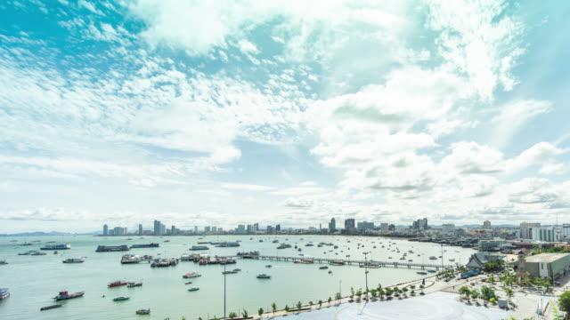 pattaya bay harbor på morgonen, time lapse video - spetsig bildbanksvideor och videomaterial från bakom kulisserna