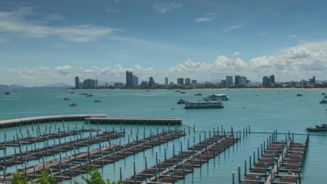 vídeos de stock, filmes e b-roll de cidade de pattaya. lapso de tempo de 4 k - ângulo agudo