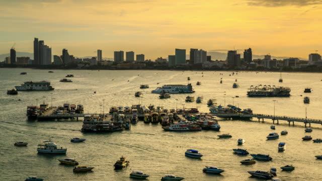 vídeos y material grabado en eventos de stock de pattaya muelle - terminal de ferry