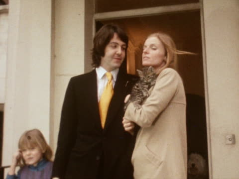 Paul And Linda Mccartney Arrive Back Home Following Their Wedding Pose For Photographers Well
