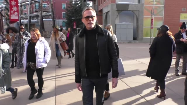 stockvideo's en b-roll-footage met paul bettany at the sundance film festival on main street in park city utah in celebrity sightings in park city utah - sundance film festival