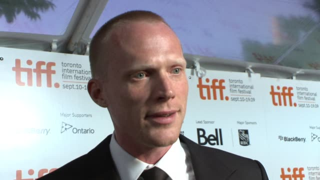 paul bettany on working with his wife, on the legacy of charles darwin, on the current relevance of the creationist/evolutionist debate 200 years... - チャールズ・ダーウィン点の映像素材/bロール