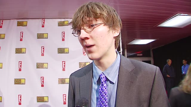 paul dano on being nominated, on his first awards show at the broadcast film critics association's 2007 critic's choice awards at santa monica civic... - ブロードキャスト映画批評家協会点の映像素材/bロール
