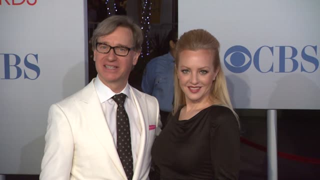 vídeos de stock, filmes e b-roll de paul feig wendi mclendoncovey at 2012 people's choice awards arrivals on 1/11/12 in los angeles ca - wendi mclendon covey