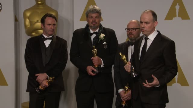 stockvideo's en b-roll-footage met speech paul franklin andrew lockley ian hunter and scott fisher at the 87th annual academy awards press room at dolby theatre on february 22 2015 in... - dolby theatre