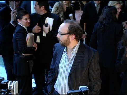 vídeos de stock e filmes b-roll de paul giamatti at the 2005 critics' choice awards at the wiltern theater in los angeles, california on january 10, 2005. - prémios critics choice movie awards