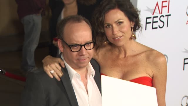 stockvideo's en b-roll-footage met paul giamatti minnie driver at the afi fest 2010 screening of 'barney's version' at hollywood ca - minnie driver