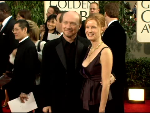 paul haggis at the 2006 golden globe awards arrivals at the beverly hilton in beverly hills california on january 16 2006 - paul haggis stock videos and b-roll footage