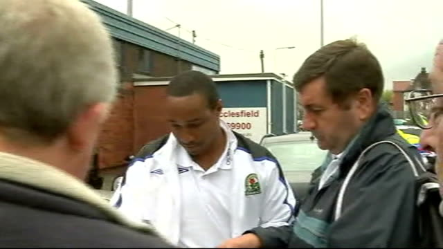 paul ince arrives macclesfield macclesfield ext paul ince out of car on arrival at macclesfield town fc and signs autographs - cheshire england stock videos & royalty-free footage