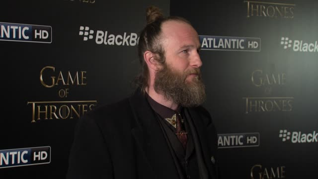 vídeos de stock e filmes b-roll de paul kaye at 'game of thrones' season 3 launch at one marylebone on march 26, 2013 in london, england - paul kaye