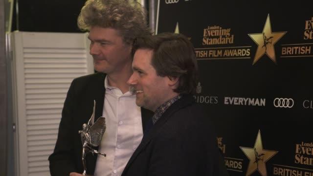 paul king, simon farnaby on how paddington bear help realise how much they love london, being surprised a family film won an award at evening... - 映画賞点の映像素材/bロール