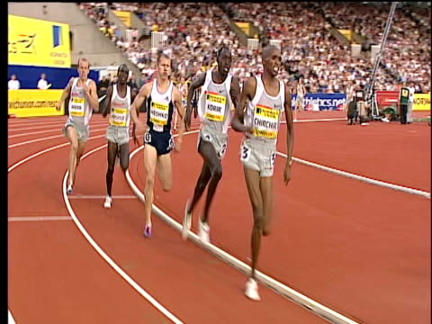 paul korir overtakes lead runner to win men's mile 2004 crystal palace athletics grand prix london - dynamics stock videos and b-roll footage
