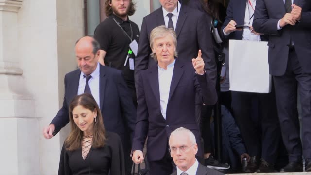 paul mccartney and nancy shevell attend the stella mccartney womenswear spring/summer 2020 show as part of paris fashion week on september 30, 2019... - paul mccartney stock videos & royalty-free footage