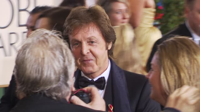 paul mccartney at the 67th annual golden globe awards arrivals part 1 at beverly hills ca - paul mccartney stock videos & royalty-free footage
