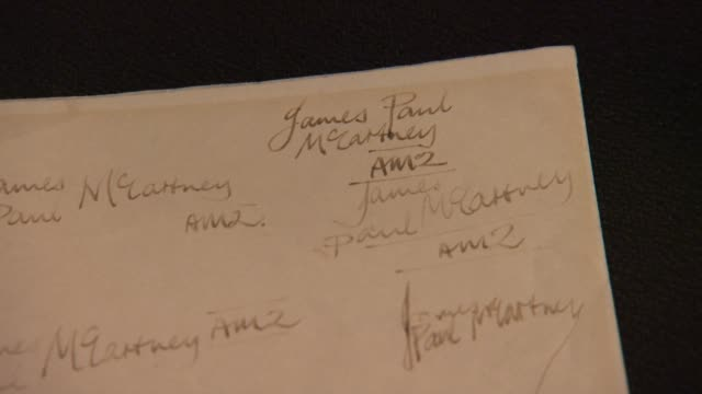 vidéos et rushes de paul mccartney earliest known handwritten letter with 23 signatures and drawing from liverpool institute, c. 1959 at gotta have rock and roll's the... - rock moderne