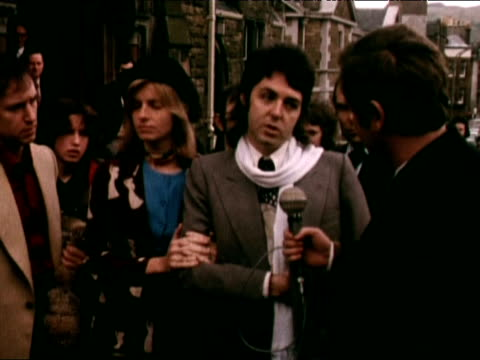paul mccartney stands outside court beside wife linda following his conviction for possession of cannabis plants at his home talking openly about... - 1973 stock videos & royalty-free footage