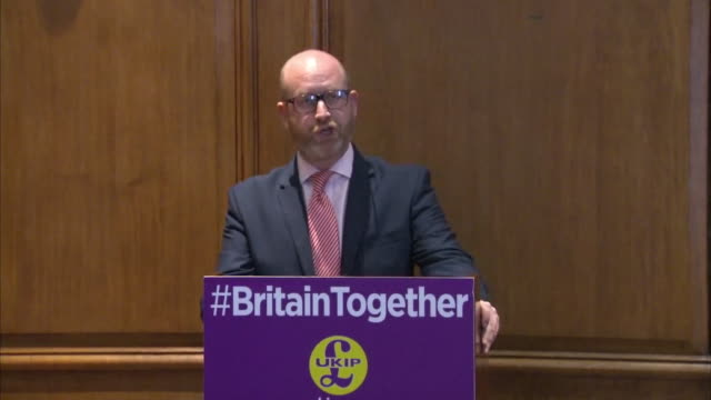 vidéos et rushes de paul nuttall saying he wants to see people sign up to british law sign up to a british way of life and enjoy the full fruits our great society has to... - pupitre