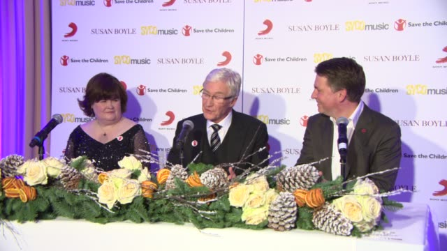 stockvideo's en b-roll-footage met interview paul o'grady on asking for knitting donations at susan boyle press conference at sony music on october 28 2013 in london england - paul o'grady