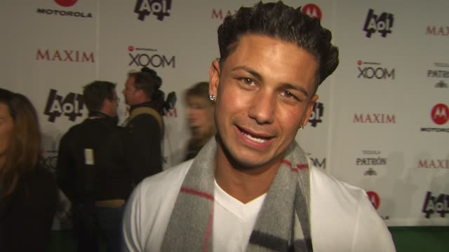 """vidéos et rushes de paul """"pauly d"""" delvecchio on why the maxim super bowl party is the best party of the weekend, how he had t-shirt time while getting ready for the... - nfc"""
