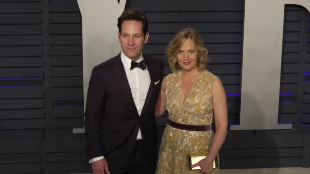 paul rudd and julie yaeger at 2019 vanity fair oscar party hosted by radhika jones at wallis annenberg center for the performing arts on february 24,... - vanity fair oscar party stock videos & royalty-free footage